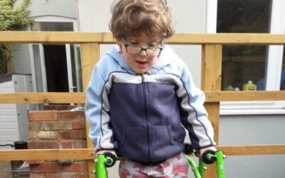 """Brave and brilliant"" Frank, 6, wins PM award for daily walks in aid of Covid-19 Urgent Appeal"